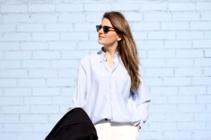 clochet-acne-shiloh-bag-cos-coat-white-wide-sandro-trousers-outfit-street-style-11